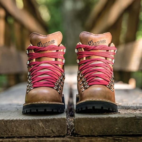 6cb8df1fa79 Danner Women s Mountain Light Cascade Boot