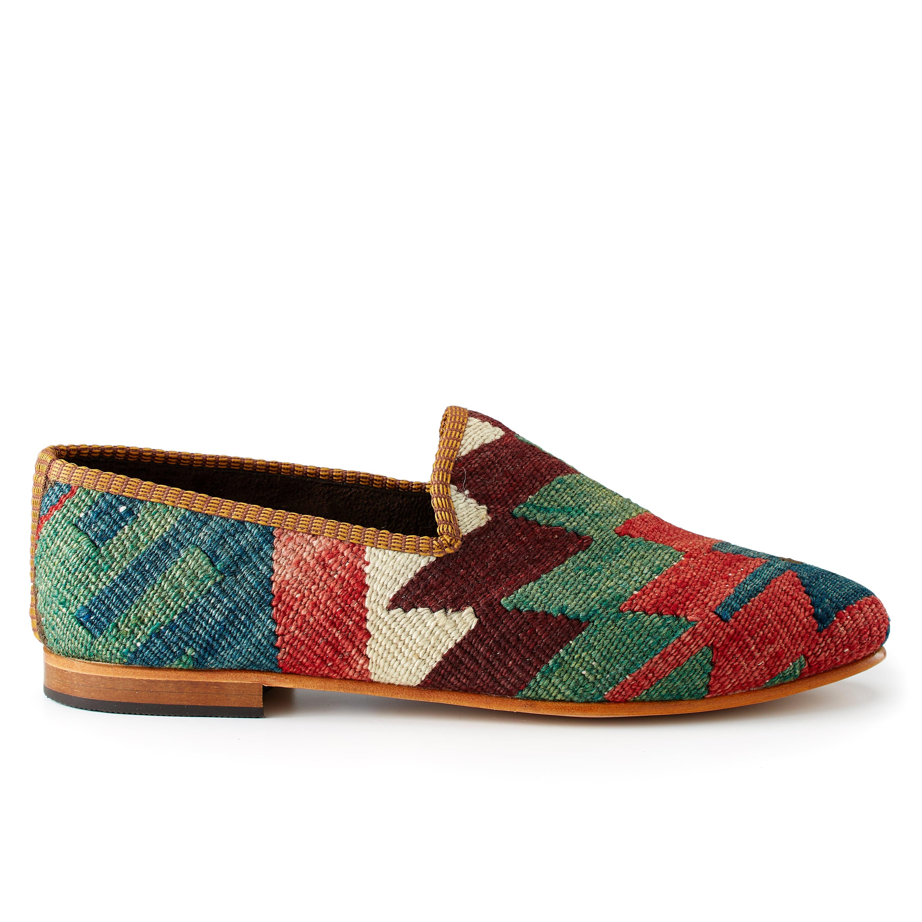 Cm3labqljz artemis design co kilim loafer 0 original.jpg?ixlib=rails 2.1