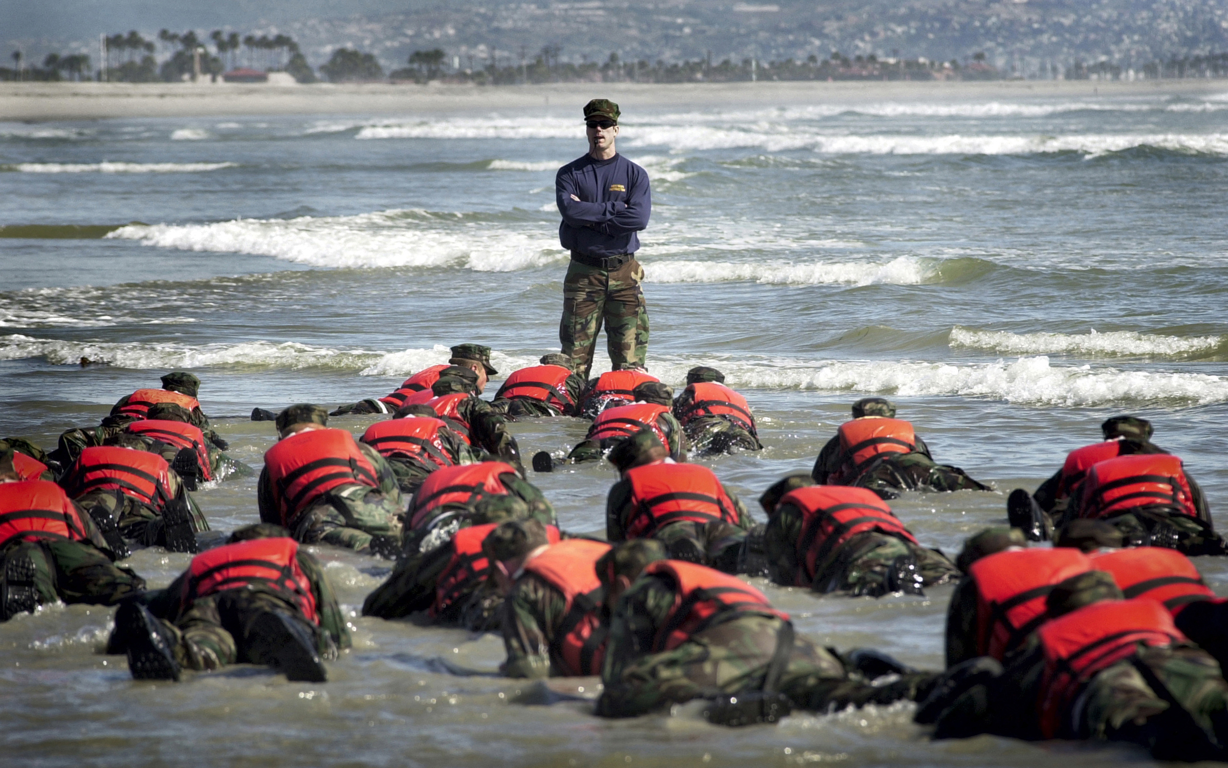 Retired Navy SEAL Explains How to Prepare for Dangerous Situations