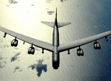 Tile b 52 bomber