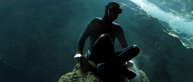 Hero freediving header diversion.jpg?ixlib=rails 2.1