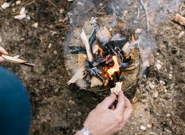 Tile log fire with liv   iain  59 header