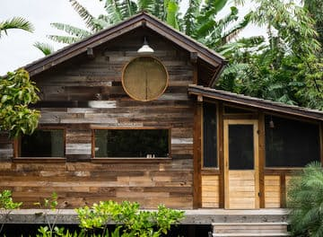 Tile huckberry indoek hawaii surf shack header.jpg?ixlib=rails 2.1