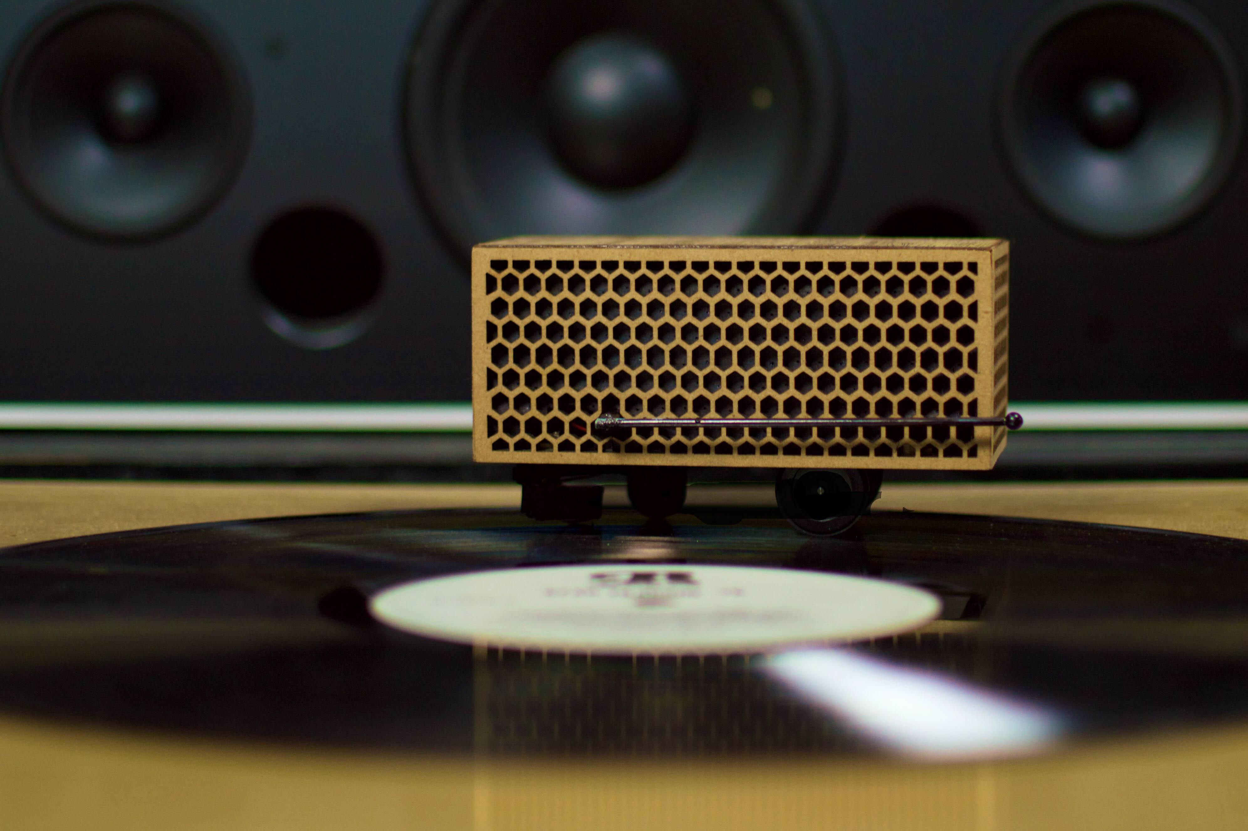 rokblock wireless record player